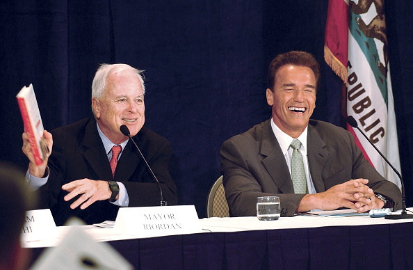 Public Speaker「Arnold Schwarzenegger Holds Education Summit」:写真・画像(2)[壁紙.com]