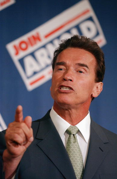 Public Speaker「Arnold Schwarzenegger Holds Education Summit」:写真・画像(1)[壁紙.com]