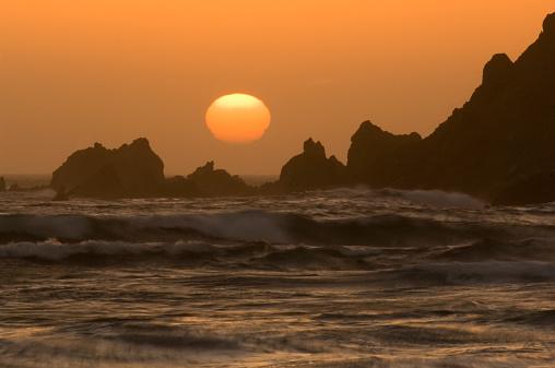 Big Sur「USA, California, Big Sur Coast, sunset and rocks」:スマホ壁紙(15)