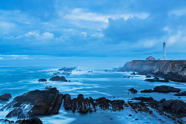 USA, California, Pacific Ocean, Mendocino County, Point Arena Lighthouse:スマホ壁紙(壁紙.com)