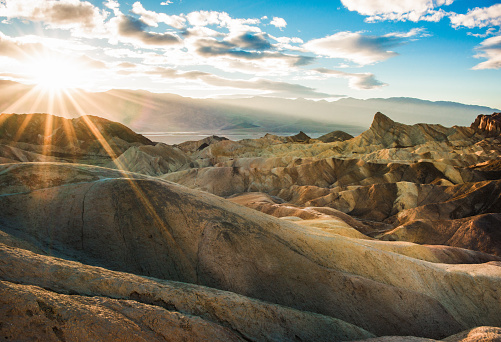 南北アメリカ「USA, California, Inyo County, Death Valley National Park, Zabriskie Point trail at sunset」:スマホ壁紙(12)