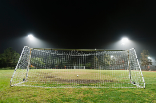 Goal Post「USA, California, Ladera Ranch, illuminated soccer field at night」:スマホ壁紙(19)