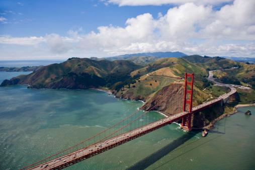 シリーズ画像「USA, California, San Francisco, Golden Gate Bridge, aerial view」:スマホ壁紙(19)