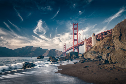 Water's Edge「USA, California, San Francisco, beach and Golden Gate Bridge」:スマホ壁紙(19)