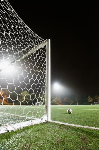 Goal Post「USA, California, Ladera Ranch, Football in front of goal」:スマホ壁紙(16)