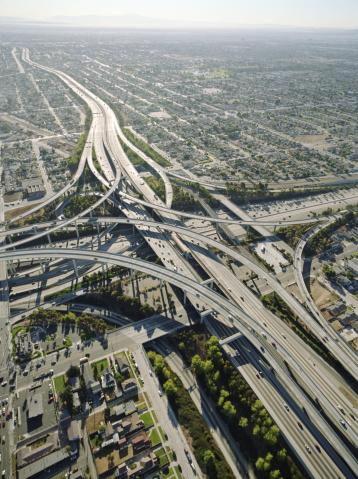 Traffic「USA, California, Los Angeles, aerial view of 105 and 405 Freeways」:スマホ壁紙(11)