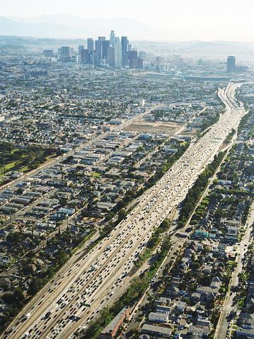 交通量「米国カリフォルニア州ロサンゼルス、10 Freeway の空からの眺め」:スマホ壁紙(8)