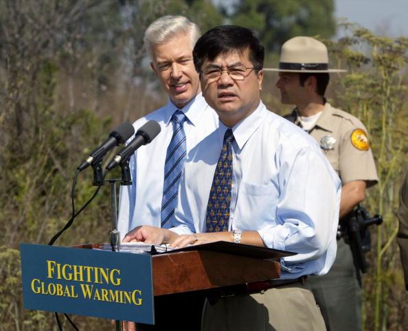 Greenhouse Gas「Govs. Davis and Locke Announce West Coast Greenhouse Strategy」:写真・画像(11)[壁紙.com]