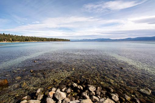 浅い「USA, California, Lake Tahoe」:スマホ壁紙(3)