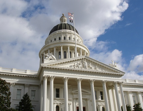Capital Cities「California State Capitol building Sacramento with  national flags」:スマホ壁紙(15)