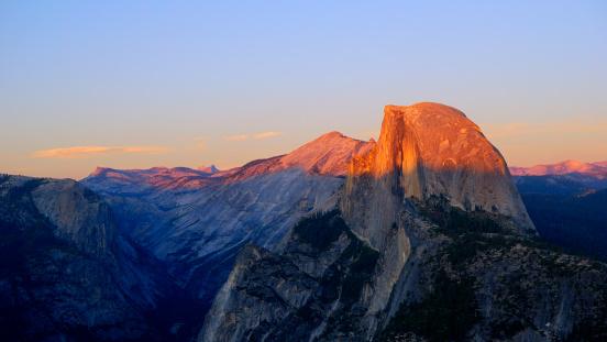 Half Dome「USA, California, Half dome of Yosemite national park at sunset」:スマホ壁紙(13)