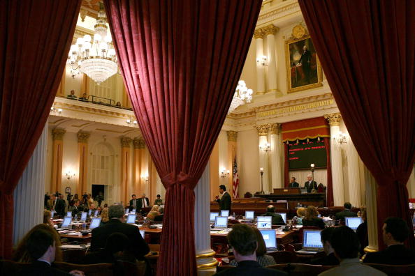 Politics「Lawmakers Continue To Negotiate State Budget As Gov. Prepares Layoffs」:写真・画像(16)[壁紙.com]
