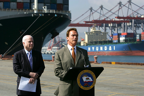 Effort「McCain And Schwarzenegger Discuss Greenhouse Gas Emissions」:写真・画像(15)[壁紙.com]