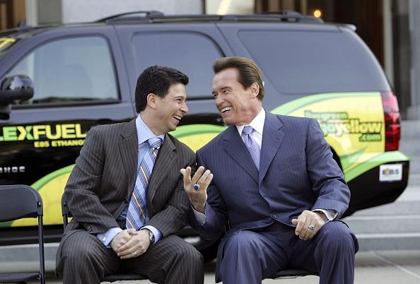 Greenhouse Gas「Schwarzenegger Signs Executive Order Setting Low Carbon Fuel Standard」:写真・画像(5)[壁紙.com]