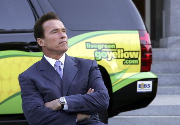 Greenhouse Gas「Schwarzenegger Signs Executive Order Setting Low Carbon Fuel Standard」:写真・画像(7)[壁紙.com]