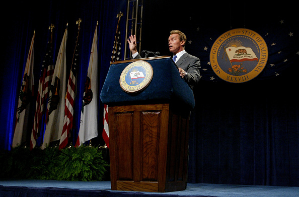 Governor「Arnold Schwarzenegger Holds First News Conference As California Governor」:写真・画像(12)[壁紙.com]