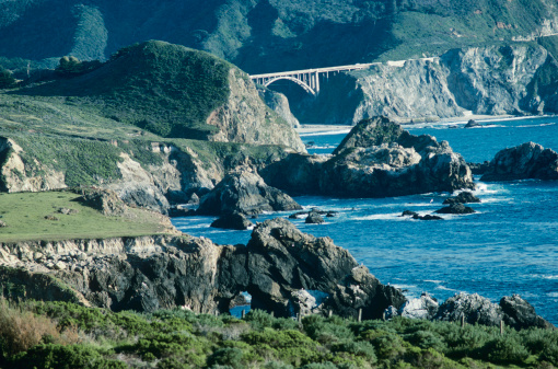 Bixby Creek Bridge「USA, California, Big Sur, Bixby Bridge and coastline」:スマホ壁紙(0)