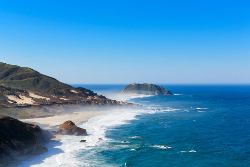 Big Sur「USA, California, Pacific Coast, National Scenic Byway, Big Sur, Point Sur State Historic Park, View to Point Sur Lighthouse」:スマホ壁紙(8)