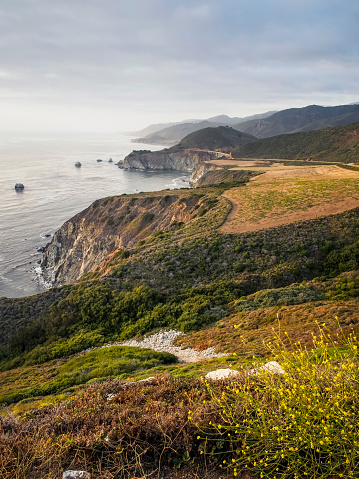 Bixby Creek Bridge「USA, California, Pacific Coast, National Scenic Byway, Big Sur, Coastline with Bixby Bridge at sunset」:スマホ壁紙(13)