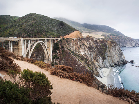 Bixby Creek Bridge「USA, California, Pacific Coast, National Scenic Byway, Big Sur Coastline, Bixby Bridge」:スマホ壁紙(14)