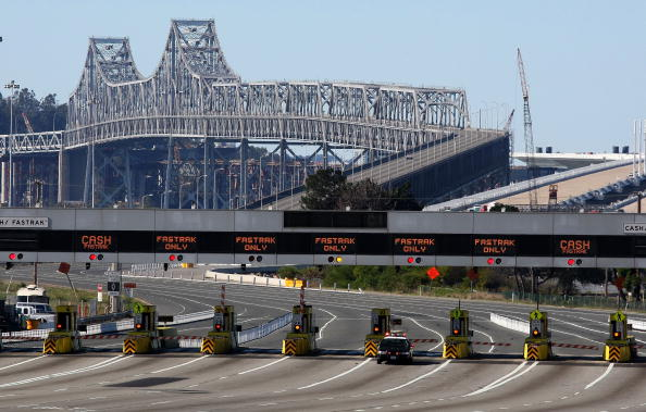 スクエア「Fallen Debris Forces Closure Of Bay Bridge」:写真・画像(11)[壁紙.com]