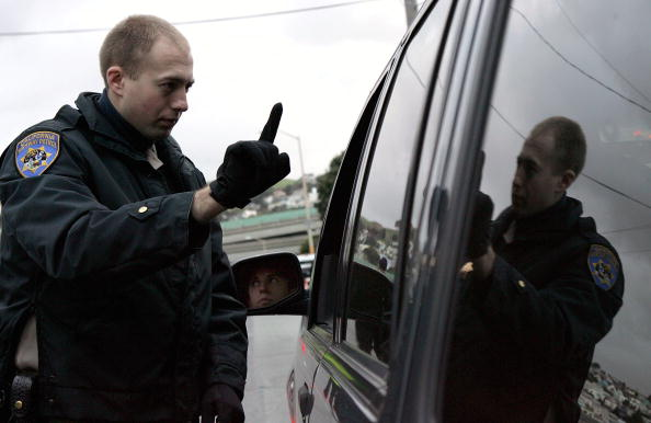 税関「Holiday DUI Checkpoints Yield Hundreds Of Arrests In Northern California」:写真・画像(9)[壁紙.com]