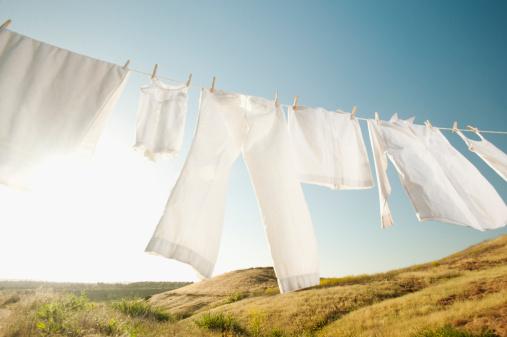 Washing「USA, California, Ladera Ranch, Laundry hanging on clothesline against blue sky」:スマホ壁紙(18)