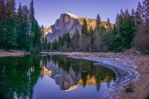 Half Dome「USA, California, Yosemite National Park, Half Dome reflecting in water」:スマホ壁紙(10)