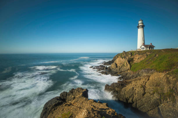 California coast with Pigeon Point Lighthouse:スマホ壁紙(壁紙.com)