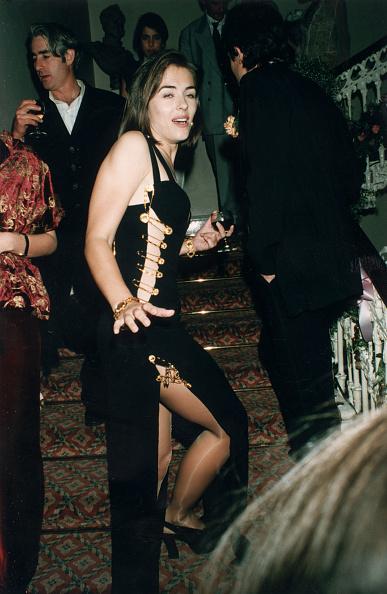 1990-1999「Elizabeth Hurley」:写真・画像(13)[壁紙.com]