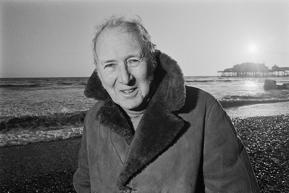 Overcoat「British Actor Sir Anthony Quayle」:写真・画像(4)[壁紙.com]