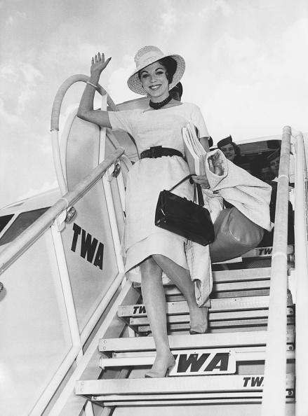 One Woman Only「Joan Collins」:写真・画像(12)[壁紙.com]