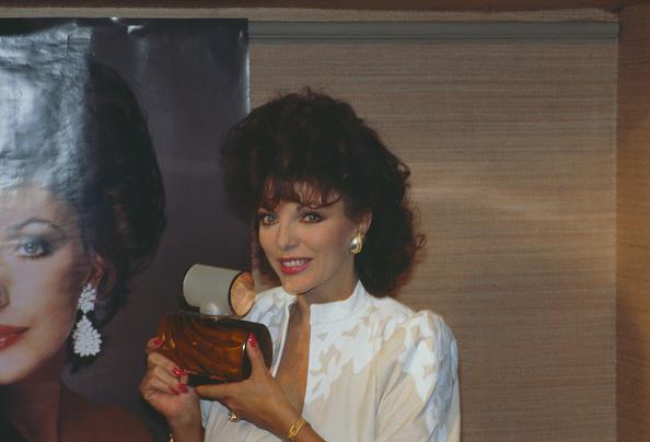 Fragrance Launch「Joan Collins Promotes Scoundrel」:写真・画像(0)[壁紙.com]