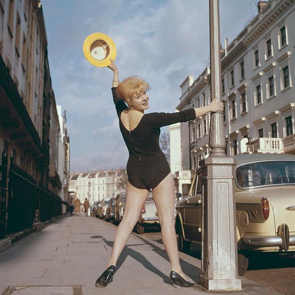 Leotard「June Ritchie Strikes A Pose」:写真・画像(13)[壁紙.com]