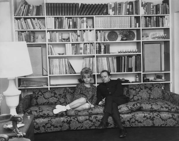 Shelf「John Bird And Wife」:写真・画像(18)[壁紙.com]