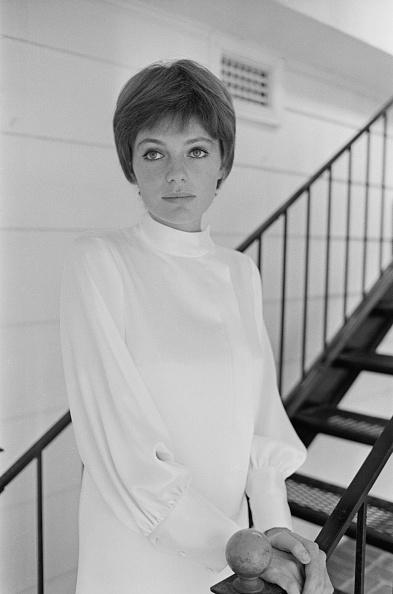 上半身「Jacqueline Bisset」:写真・画像(14)[壁紙.com]