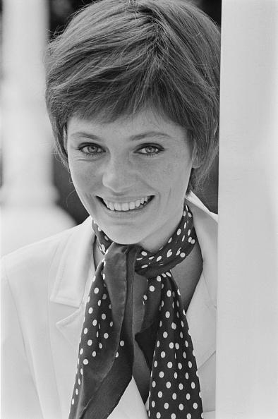上半身「Jacqueline Bisset」:写真・画像(5)[壁紙.com]