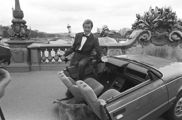 car「Roger Moore In Paris」:写真・画像(10)[壁紙.com]