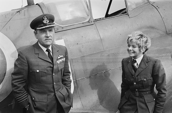 Two People「Battle of Britain」:写真・画像(10)[壁紙.com]