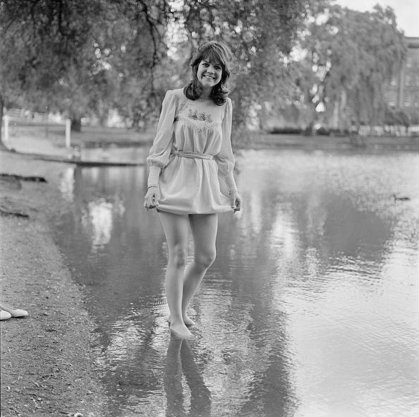 Shallow「Sally Geeson, British Actress」:写真・画像(14)[壁紙.com]