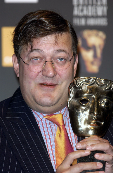 Photoshot「British actor and comedian Stephen Fry announces The Orange British Academy Film Awards Nominations (BAFTA) in London. Ref: UDW020537_0052. Date: 19.01.2004.」:写真・画像(19)[壁紙.com]