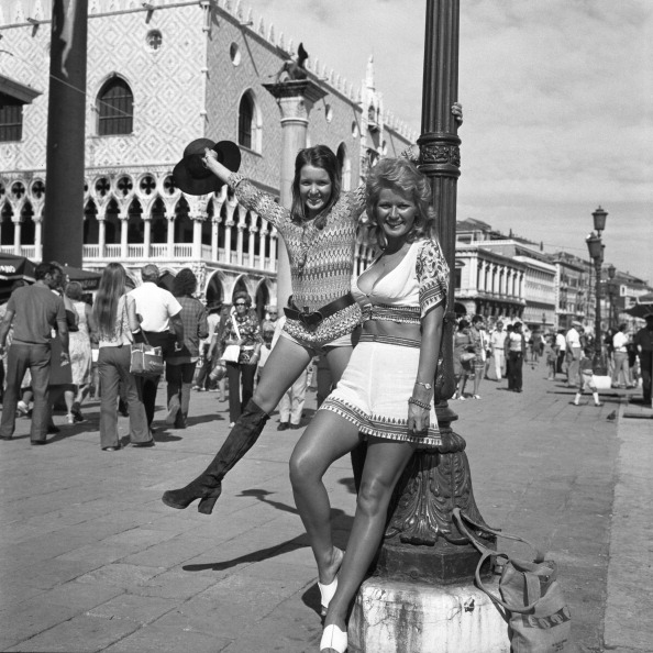 Cultures「Playing In Riva Degli Schiavoni」:写真・画像(3)[壁紙.com]