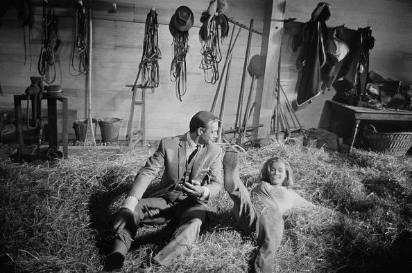 Barn「On the set of Goldfinger」:写真・画像(6)[壁紙.com]