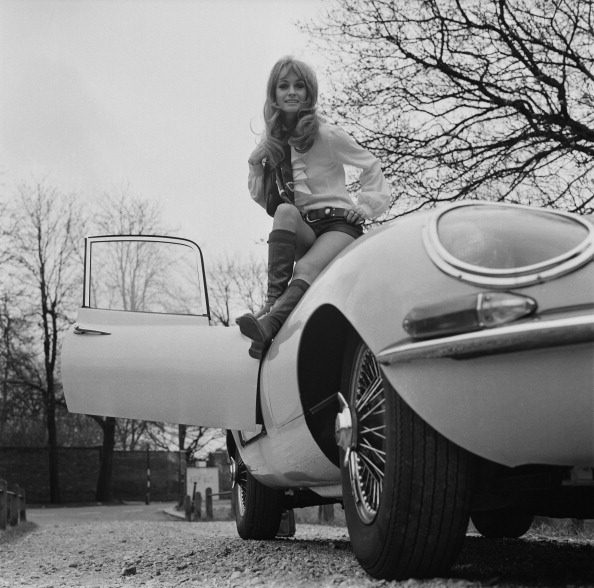 One Woman Only「Suzy Kendall And E-Type」:写真・画像(4)[壁紙.com]