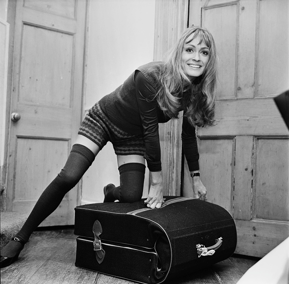 Suitcase「Suzy Kendall」:写真・画像(3)[壁紙.com]