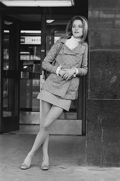 Mini Skirt「Charlotte Rampling」:写真・画像(17)[壁紙.com]