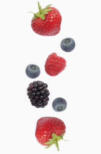 Raspberry「Berries against white background, overhead view, close-up」:スマホ壁紙(6)