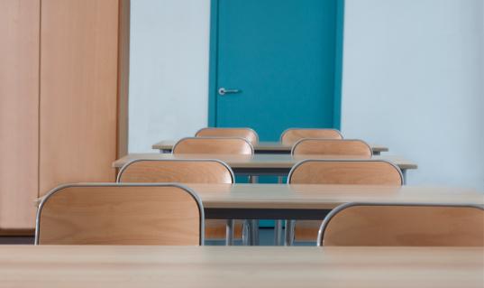 Abandoned「Classroom」:スマホ壁紙(19)