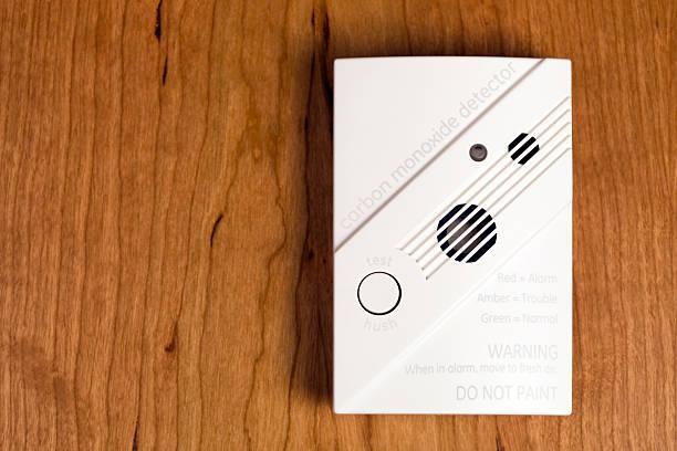 Carbon Monoxide Detector on Cherry Wood:スマホ壁紙(壁紙.com)