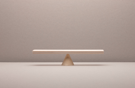 Equality「see saw balance made of wood」:スマホ壁紙(17)